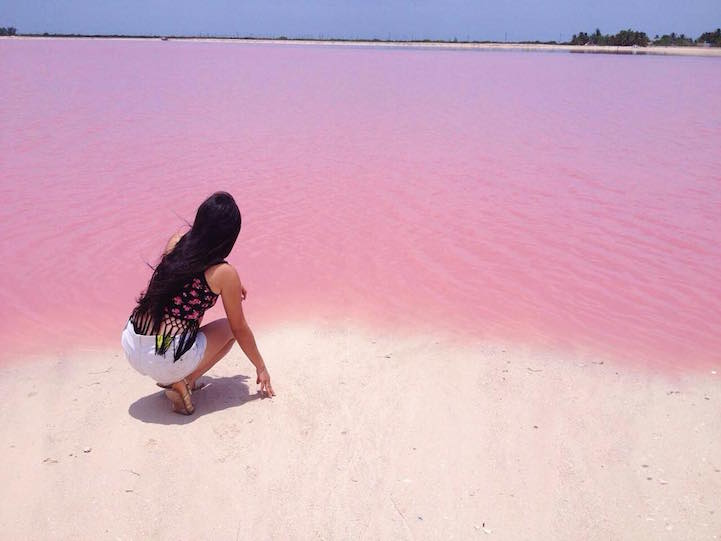 one-of-the-most-instagram-worthy-places-naturally-pink-lagoon-in-mexico